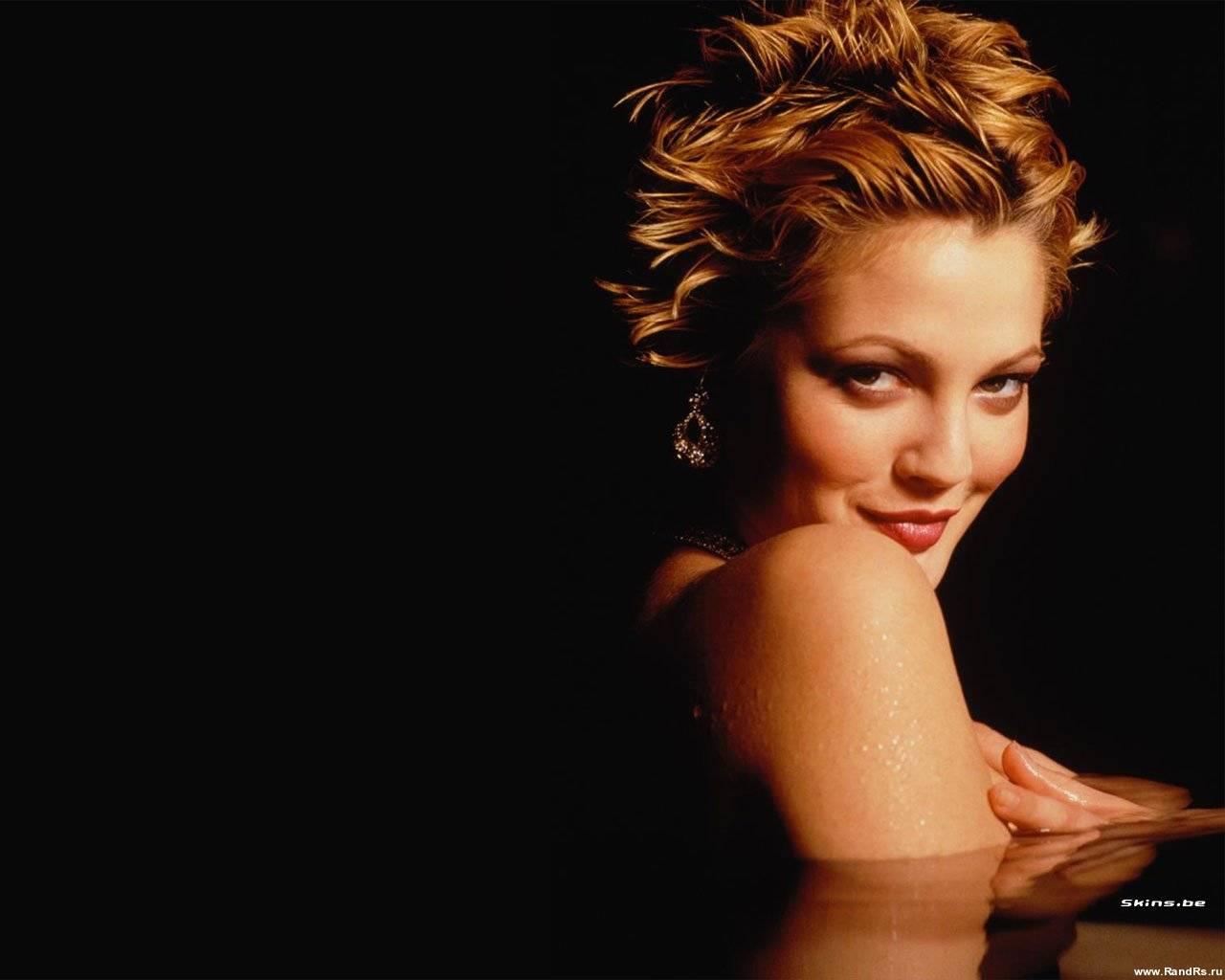 Скачать обои фото картинку на тему Drew Barrymore, девушка, красивая