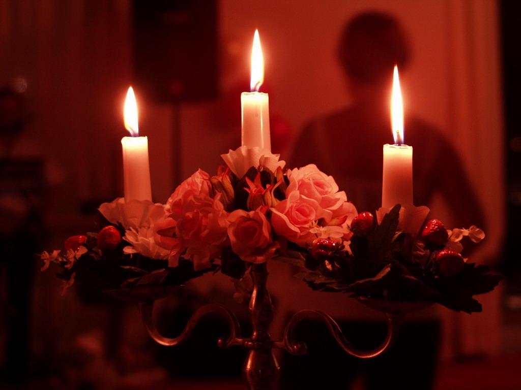 Картинки со свечами и цветами 1
