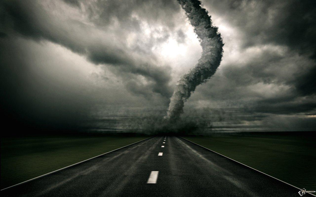 Tornado auf der straße bilder und wallpaper herunterladen kostenlos