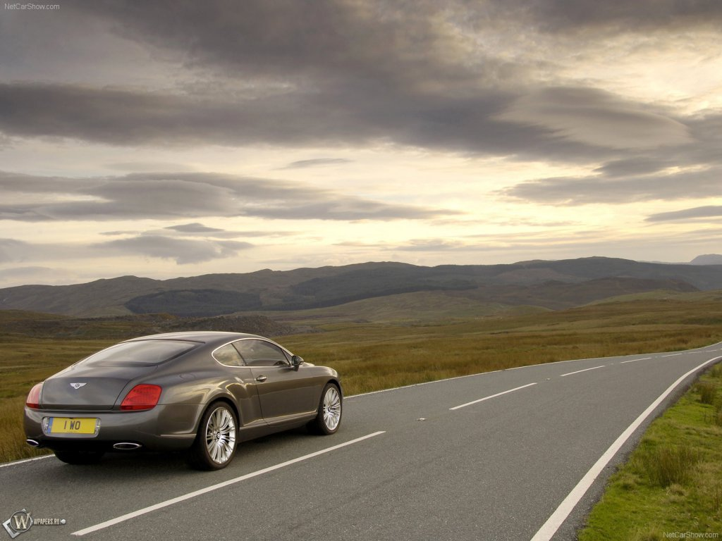 Bentley Continental GT.  Фото…