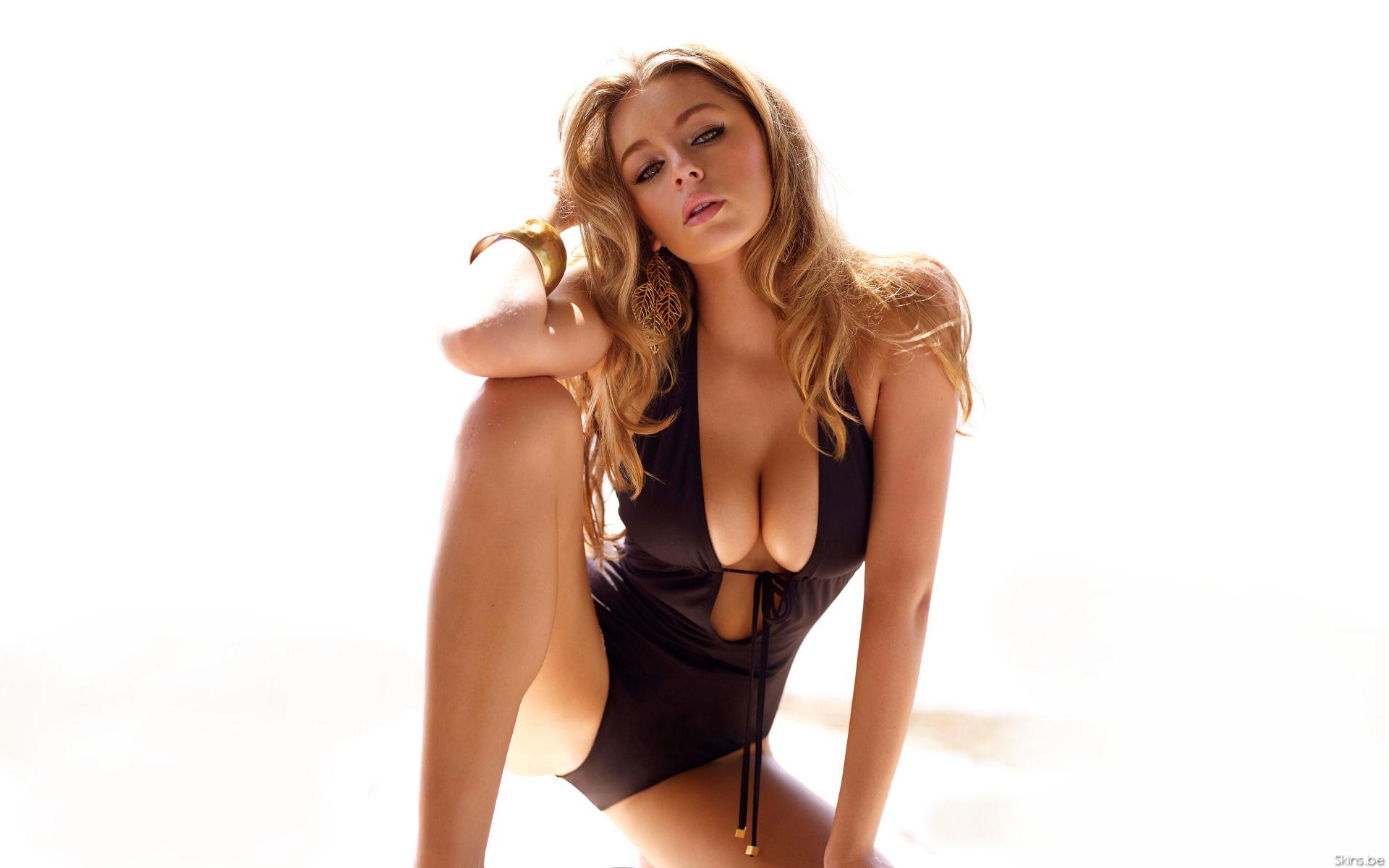 Секс між груди скачати на телефон 26 фотография