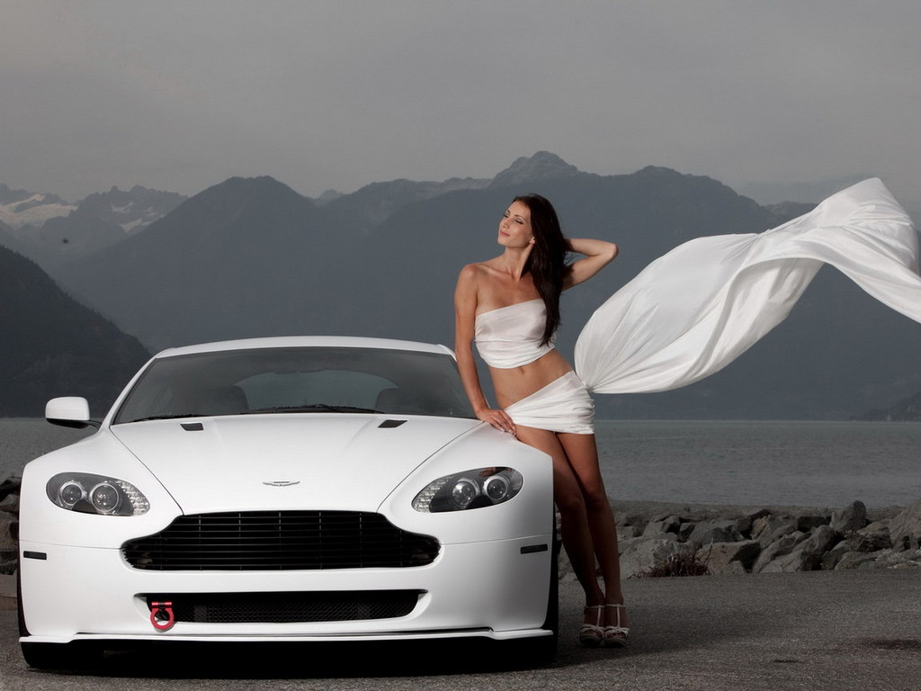 обои белая машина Bentley и деву…