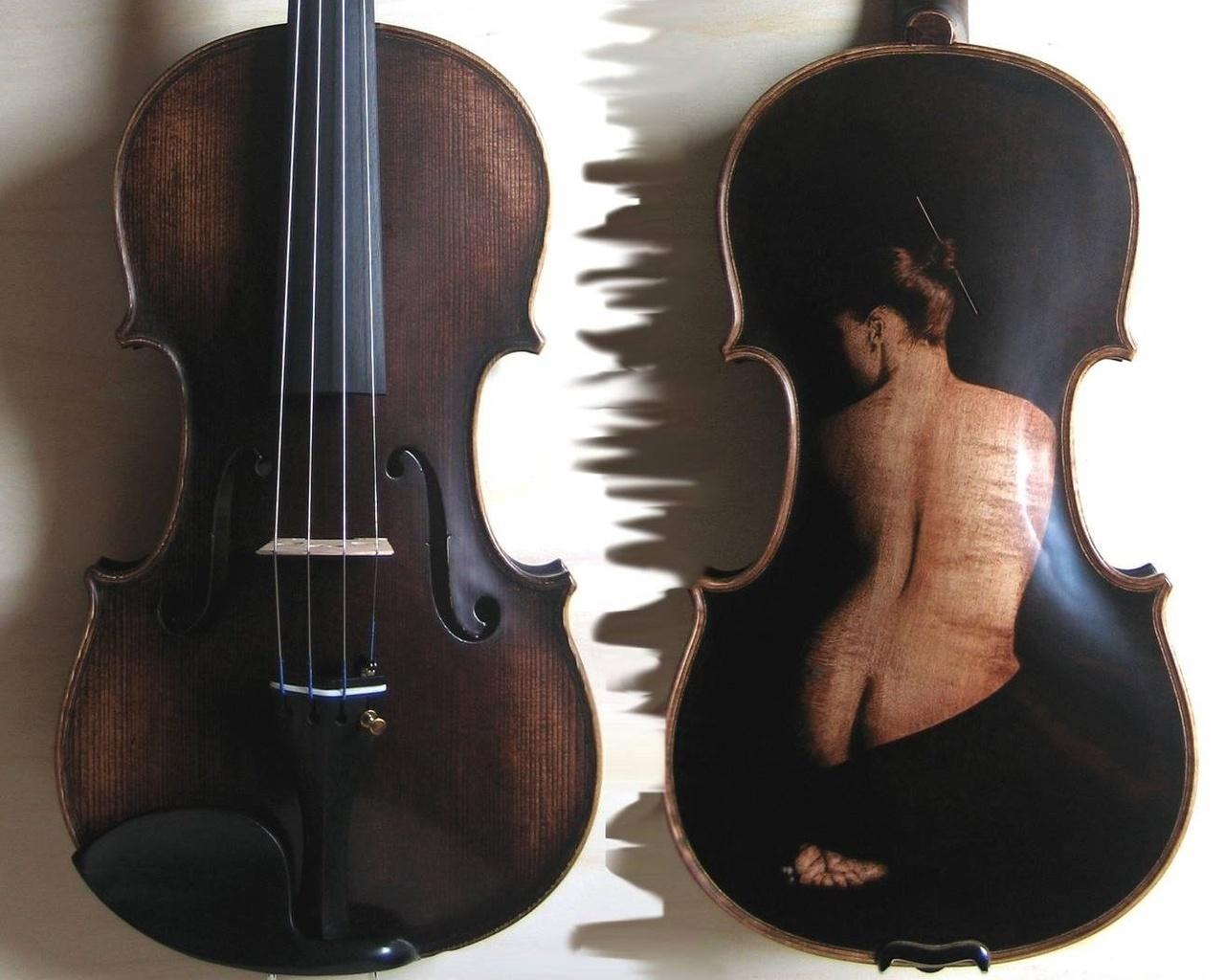 Обои Музыкальные инструменты.