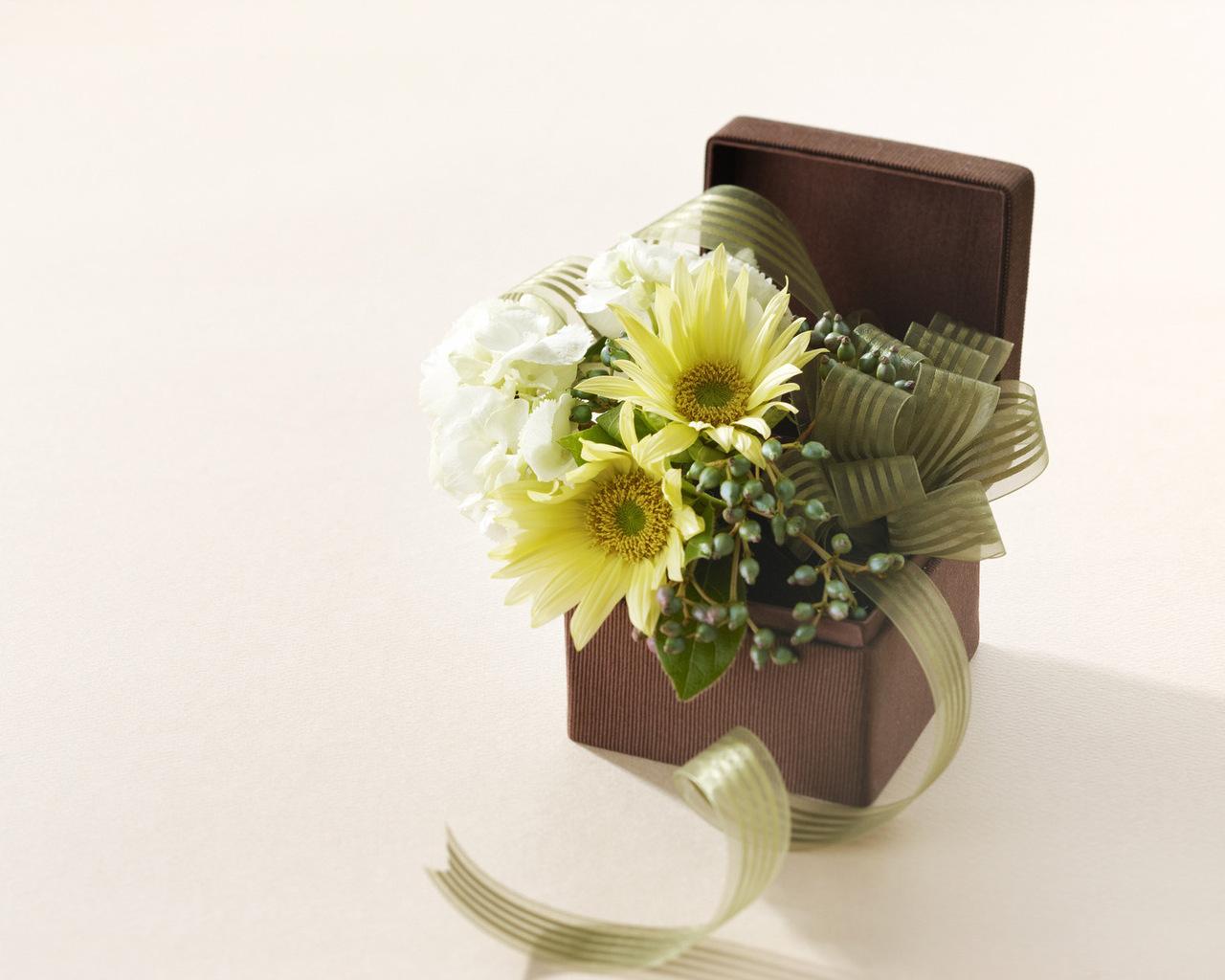 Подарки и букеты из цветов 835