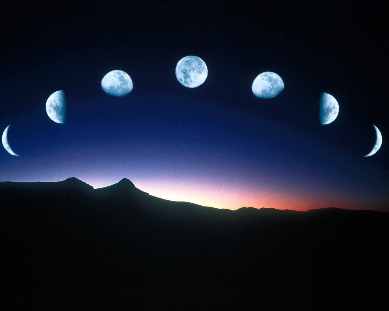 Картинки луны в костюме