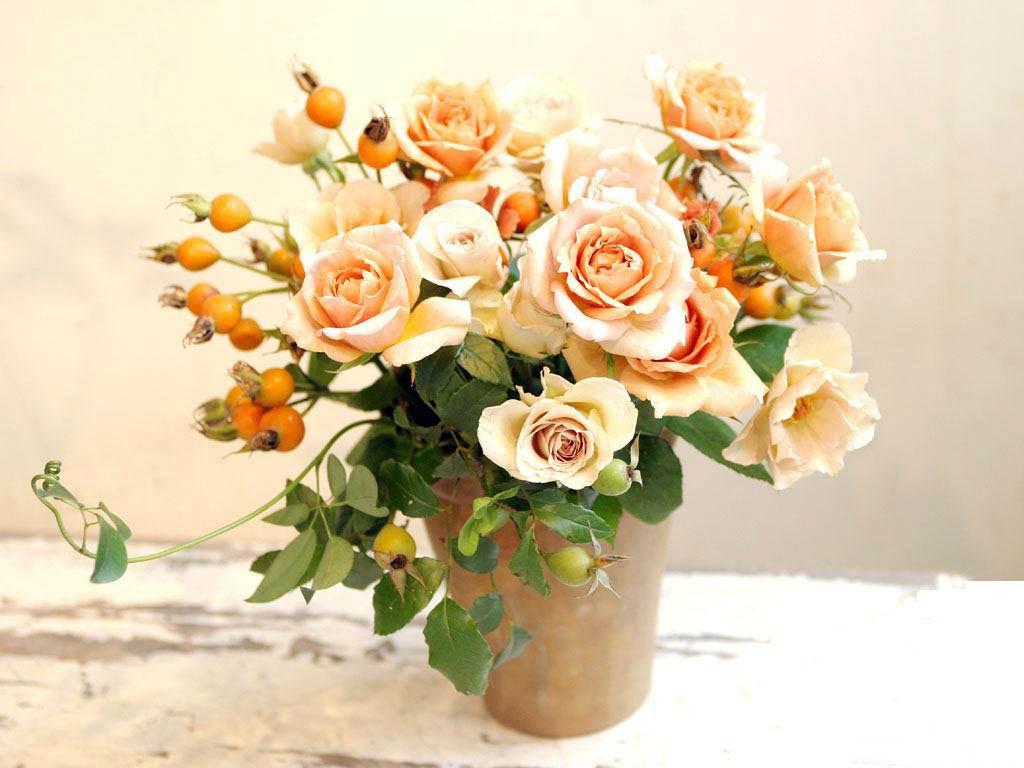 Картинки цветы на столе 5